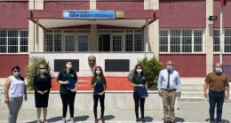 Adana Sakıp Sabancı Ortaokulu'ndan dereceyle mezun olan öğrenciler ödüllendirildi