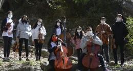 İnci Vakfı Çocuk Orkestrası, 23 Nisan'ı coşkuyla kutlamak için herkesi konser klibini izlemeye davet ediyor