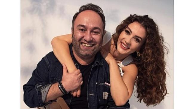 Oyuncu Burcu Özberk, Hakan Gence ile Sıkı Muhabbet programında