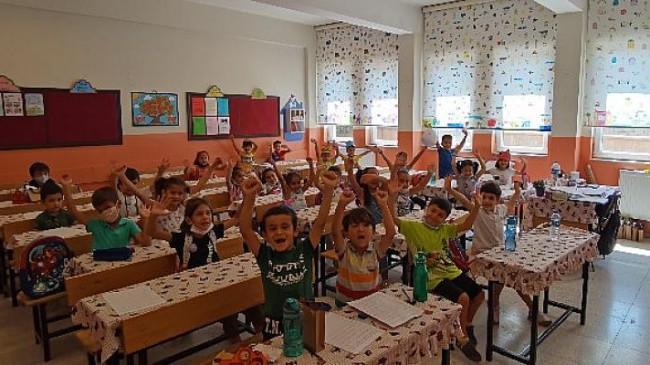 """TAÇ ve TOG ortaklığı ile gerçekleşen """"Benim renkli sınıfım"""" projesi 3.723 çocuğa ulaştı"""