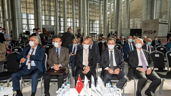 """Maden sektörü İzmir'de buluştu Başkan Soyer: """"Kaynakları sınırsız şekilde kullananların karşısındayız"""""""
